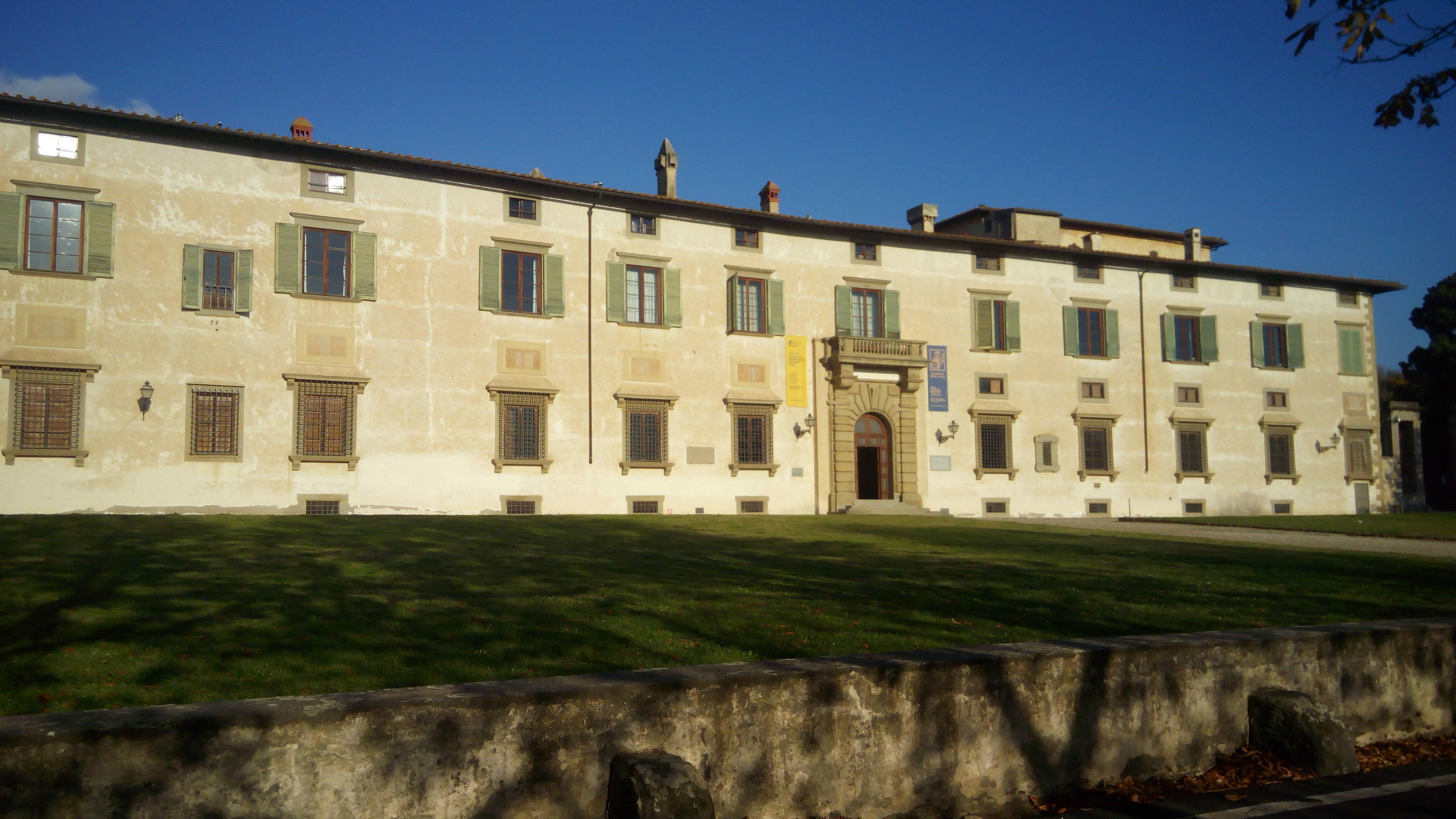 Accademia esterno1