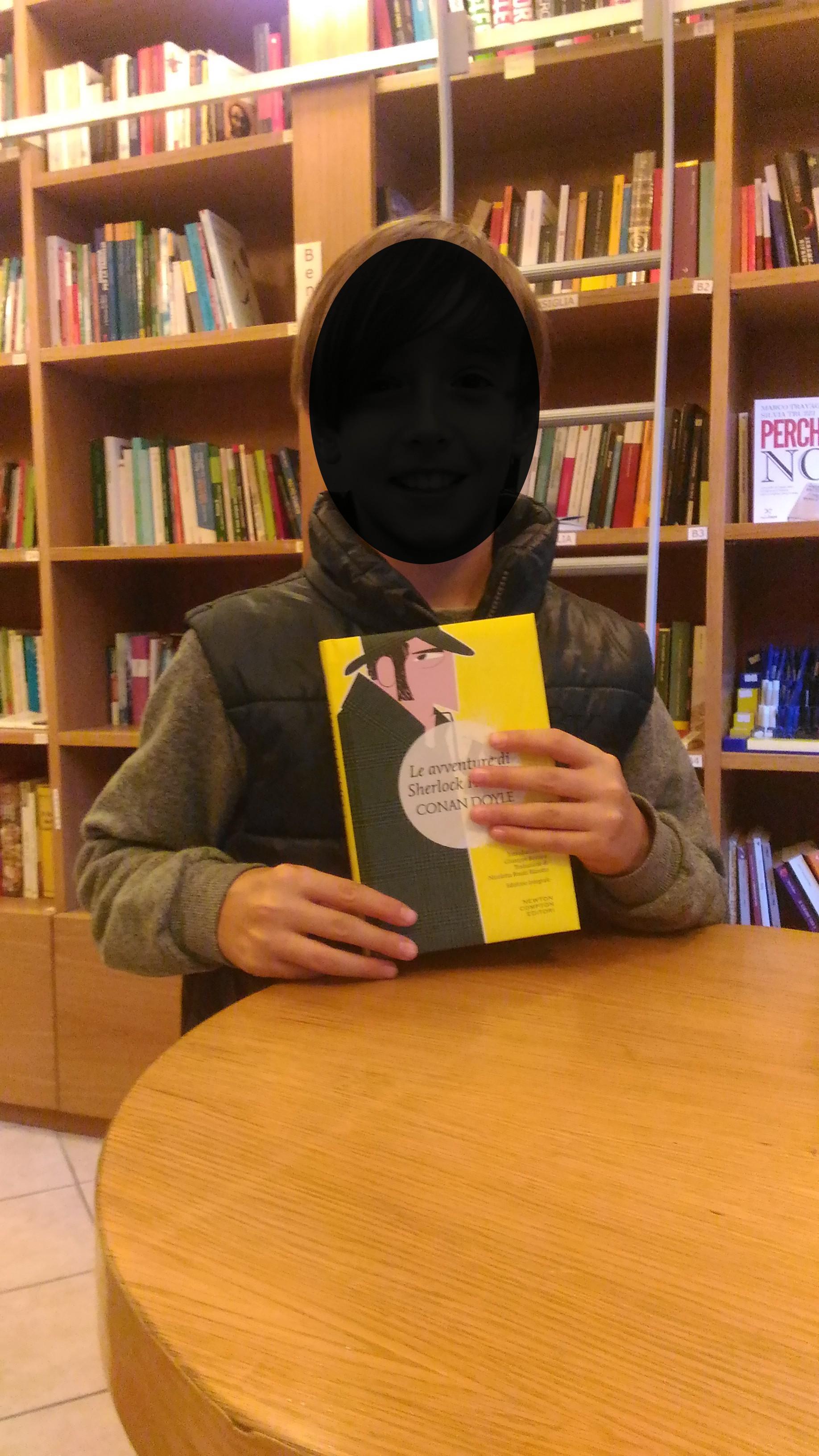 Studente con libro